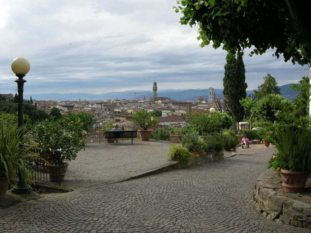 Arte, vistas y rosas en Florencia