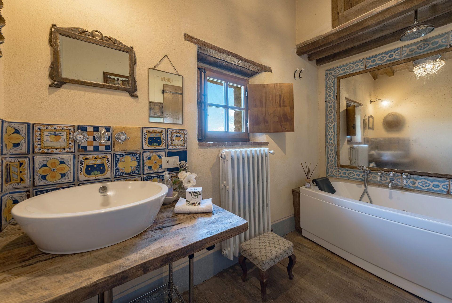 Lavabo Veranda De Roca.Romantica Casa De Vacaciones Con 6 Habitaciones Con Una