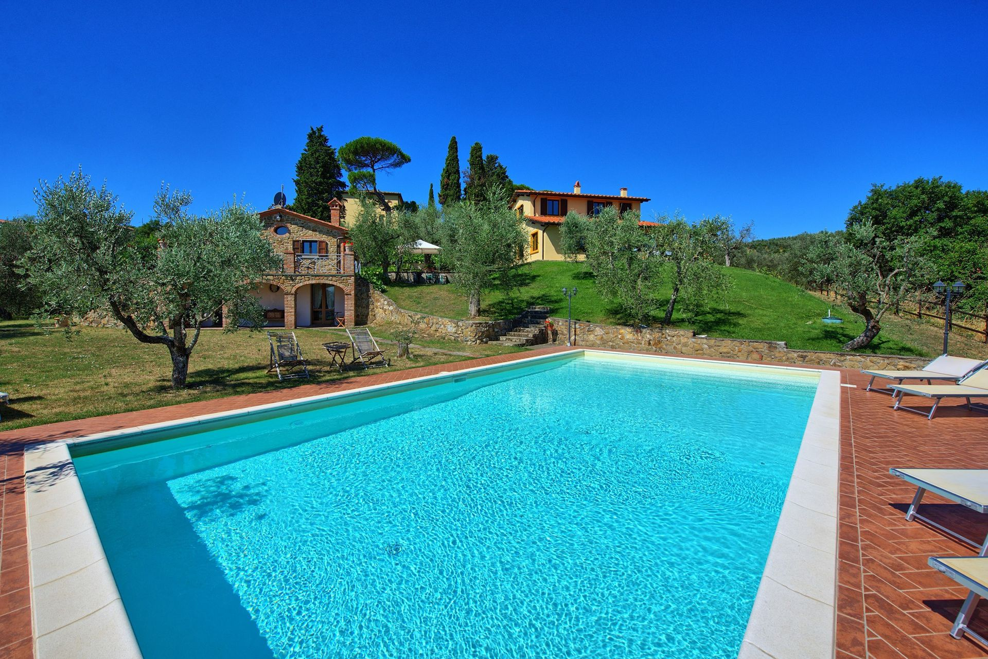 57cc103cfb8e8 Villa Ulivi con 6 Habitaciones con una capacidad de hasta 12 ...